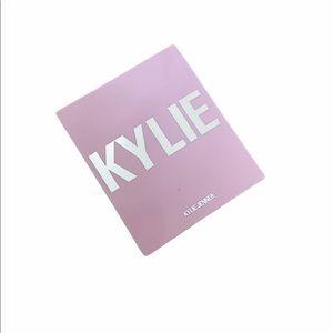 Kylie Blush in Baddie on the Block